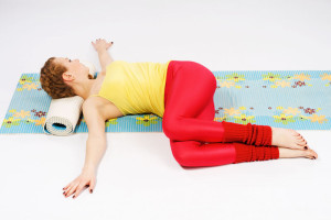 yoga supine spinal twist