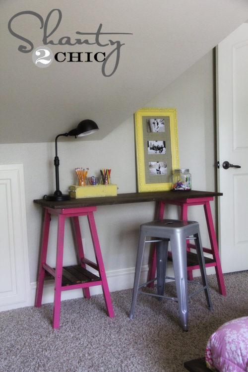 DIY desk with Stools